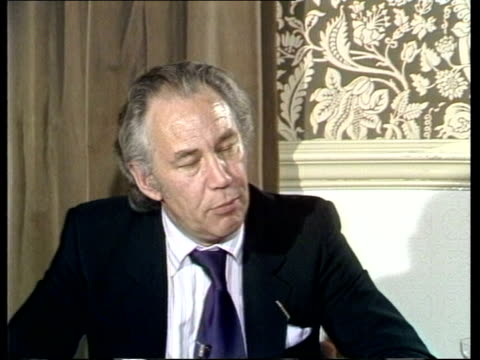house of commons fowler sof quotperhaps they wouldn't be as blunt if that is the right wordquot cas ex eng itn 120secs archive tape 14898... - 1900 1909 video stock e b–roll