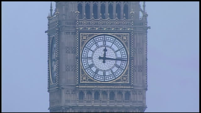 gir richard edgar laura kuenssberg penny marshall stockport chris choi with panel of people london ext clock face of big ben at 1215 pm studio stewart - laura kuenssberg stock-videos und b-roll-filmmaterial