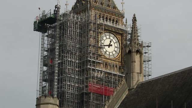 stockvideo's en b-roll-footage met what do hammond's constiuents want to hear from the chancellor date unknown big ben shrouded in scaffolding - steiger bouwapparatuur