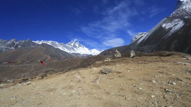 budhist stupa near orsho village, exerest mountain range, sagarmatha national park, himalayan mountains, nepal - mt everest national park stock videos and b-roll footage