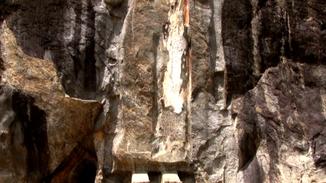 buduruvagala buddhist temple sri lanka - mythology stock videos & royalty-free footage