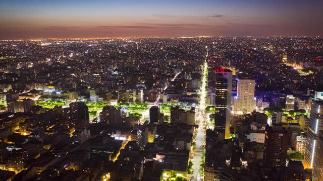 vidéos et rushes de buenos aires, argentine san telmo, tir aérien timelapse - avenida 9 de julio