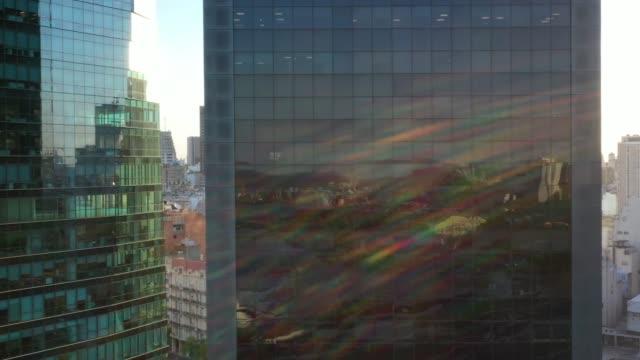 vídeos de stock e filmes b-roll de buenos aires building facades with sunset reflections - argentina