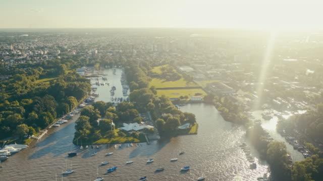 buenos aires stadtbild, naturpark ribera norte - buenos aires stock-videos und b-roll-filmmaterial