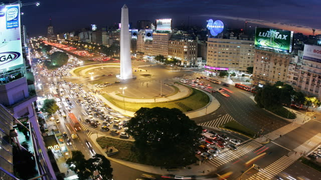 t/l buenos aires obelisco and plaza de la republica - avenida 9 de julio video stock e b–roll