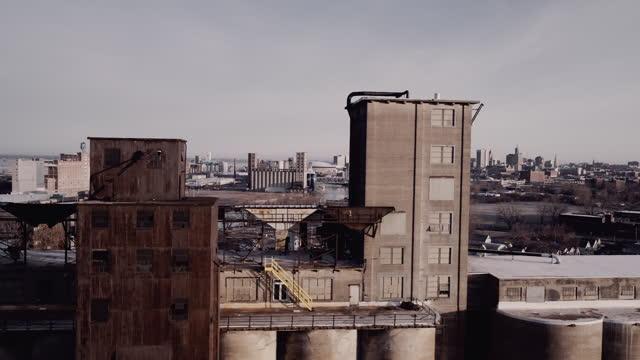 buffalo, new york grain elevators and city skyline - buffalo new york state stock videos & royalty-free footage