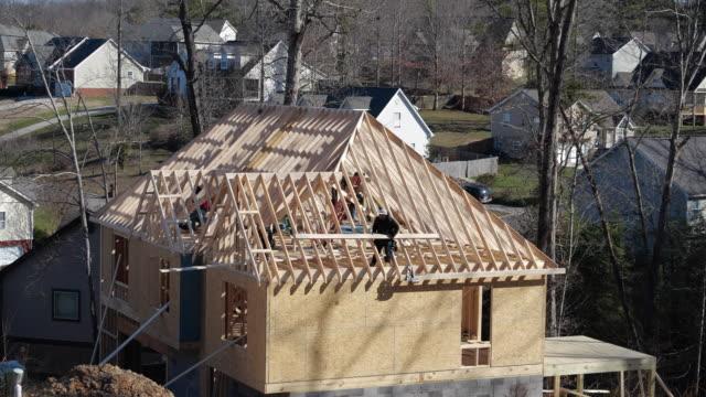 building a new home in north georgia, usa - fensterrahmen stock-videos und b-roll-filmmaterial