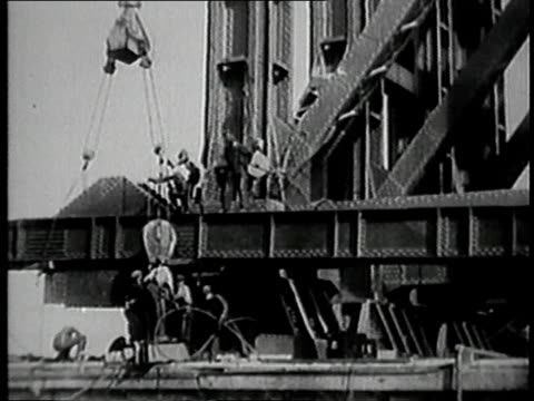 vidéos et rushes de montage building george washington bridge / fort lee new jersey united states - 1928