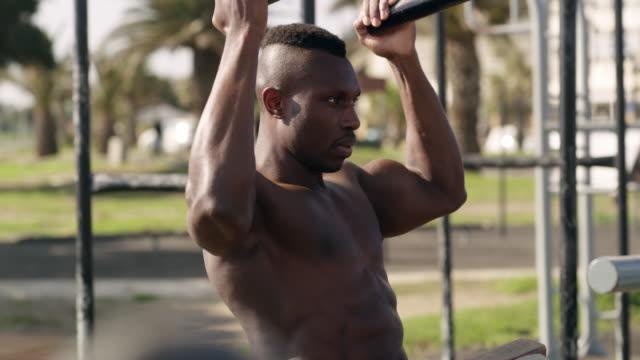vídeos y material grabado en eventos de stock de construir su cuerpo un entrenamiento a la vez - autodisciplina