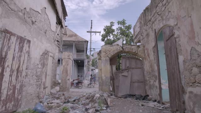 stockvideo's en b-roll-footage met building in ruins after earthquake - haïti