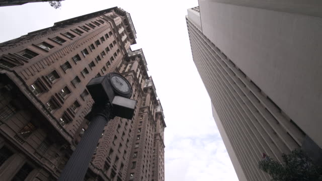 building in sao paulo downtown - architectural column stock videos & royalty-free footage
