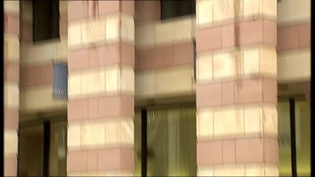 ext building which houses coq d'argent restaurant deutsche bank representatives along street - deutsche bank stock videos & royalty-free footage