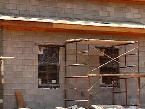 Building with Concrete Masonry