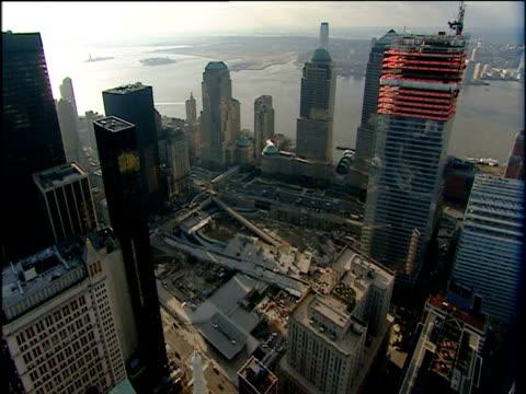 vidéos et rushes de building works on ground zero site of 9/11 attacks on world trade center manhattan - number 9