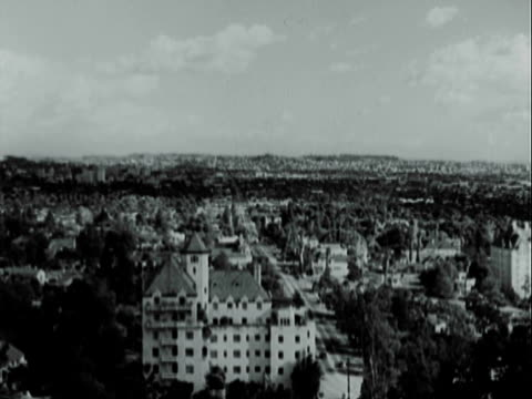 vidéos et rushes de montage buildings and neighborhoods of los angeles / los angeles, california, united states - 1949