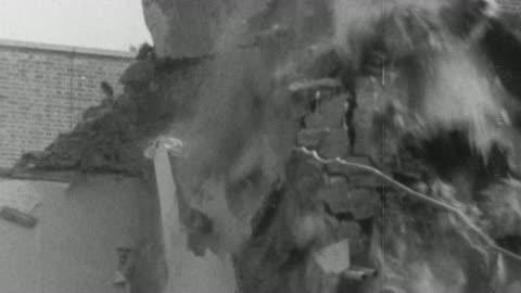 vidéos et rushes de 1976 montage buildings being demolished and rebuilt after the war / birmingham, england, united kingdom - reconstruction