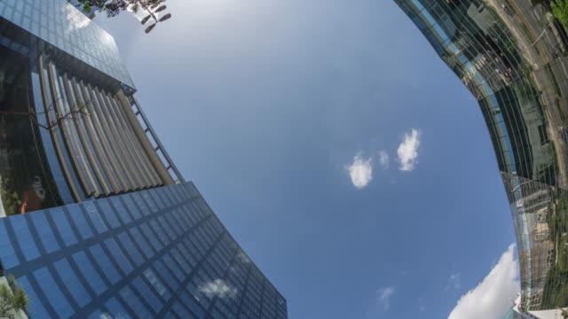 vídeos de stock, filmes e b-roll de timelapse de edifícios - avenida faria lima - (pan) - low angle view