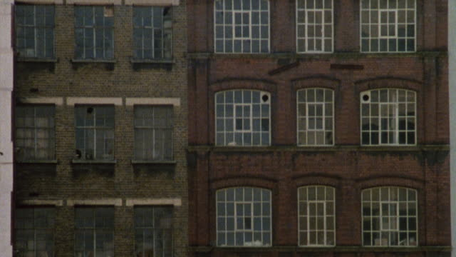 1985 montage buildings in the city / city of london, england† - 1985年点の映像素材/bロール