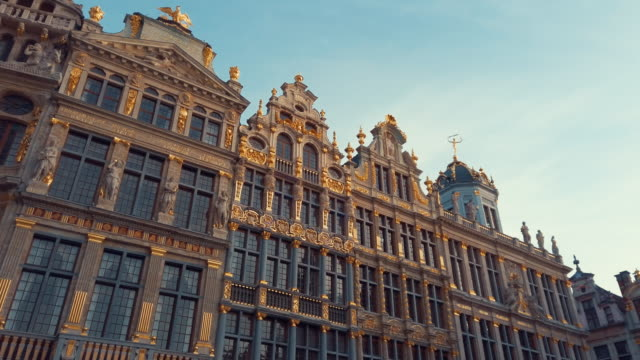 buildings of grand place, brussels, belgium - gothic style stock videos & royalty-free footage