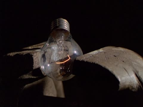 Bulb in exploding vise