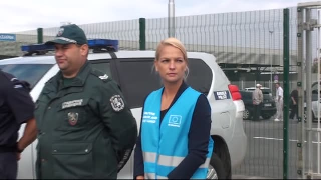 vidéos et rushes de bulgarian prime minister boyko borisiv, european commissioner for migration and home affairs dimitris avramopoulos, bulgarian interior minister... - sofia