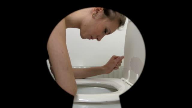 過食症 - 産みの苦しみ点の映像素材/bロール