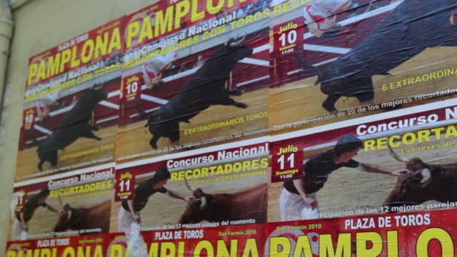 cu td bull fight posters plaza de toros pamplona / pamplona, navarre, spain - outdoor poster stock videos & royalty-free footage