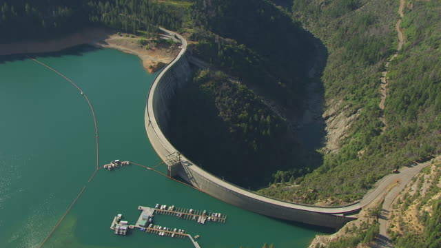 WS AERIAL POV Bullards bar reservoir and new bullards bar dam, California