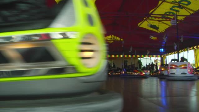 stockvideo's en b-roll-footage met ws bumper cars at oktoberfest fair, munich, germany - botsauto