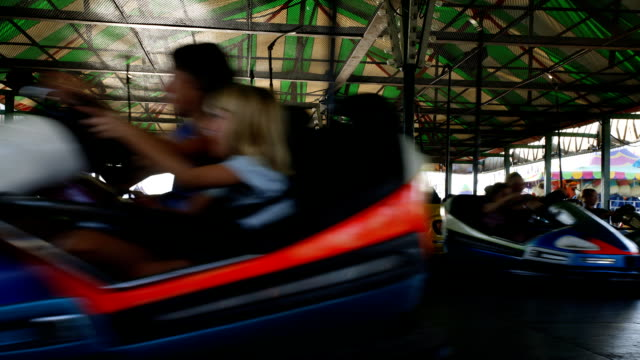 stockvideo's en b-roll-footage met bumper cars in fast motion - bumper