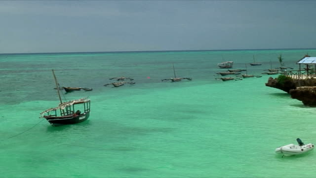 ws pan bungalows and sea / zanzibar, tanzania - zanzibar archipelago stock videos & royalty-free footage