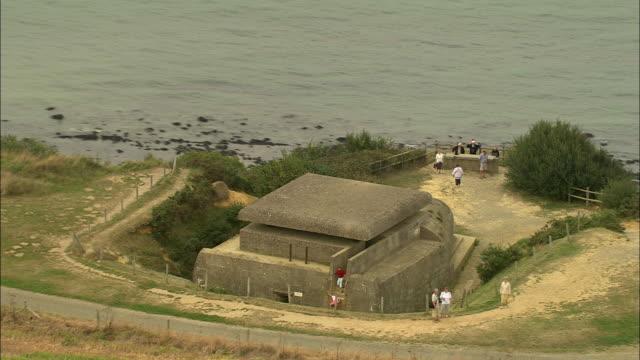 vídeos y material grabado en eventos de stock de ww2 bunkers - refugio contra bombas