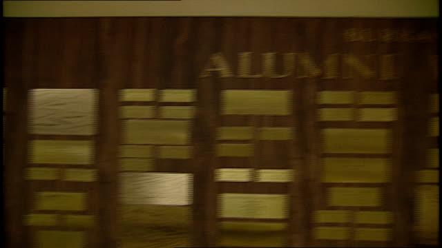 burbank high school alumni wall of fame california - plakette stock-videos und b-roll-filmmaterial