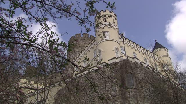 stockvideo's en b-roll-footage met burg hartenstein - side view and tower of burg hartenstein castle in lower austria 02 - lower austria