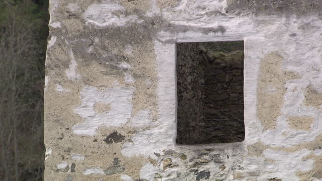 stockvideo's en b-roll-footage met burg hartenstein - windows in burg hartestein castle in lower austria - lower austria