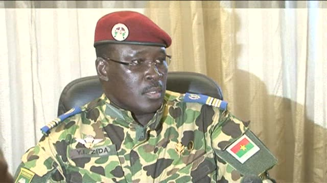 stockvideo's en b-roll-footage met burkina fasos army on saturday backed a military officers claim to lead the countrys transition to democratic elections as the ousted president... - staatsgreep