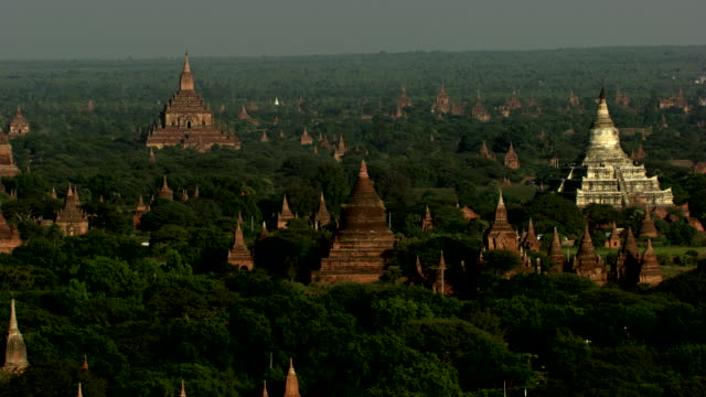 burma- myanmar : close-up of temples in the forest - pagan stock-videos und b-roll-filmmaterial