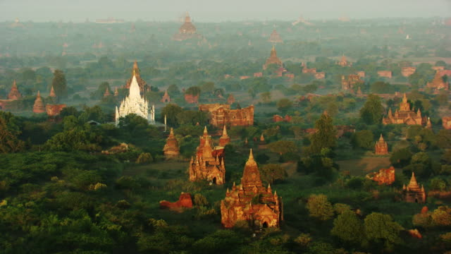 burma-myanmar : little temple in white mist in the forest - pagode stock videos & royalty-free footage