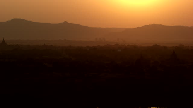 burma-myanmar : temples at sunset - pagan stock-videos und b-roll-filmmaterial