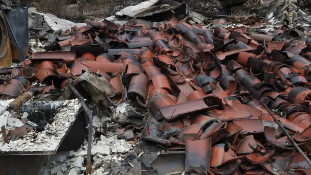 burned house - woolsey feuer stock-videos und b-roll-filmmaterial