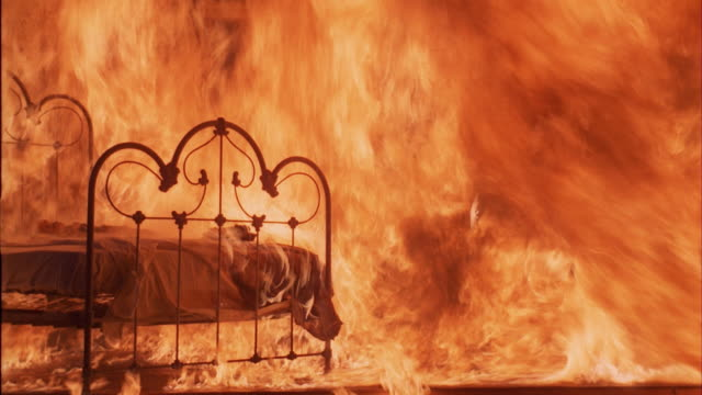 ms, burning bedroom - flammenmeer stock-videos und b-roll-filmmaterial