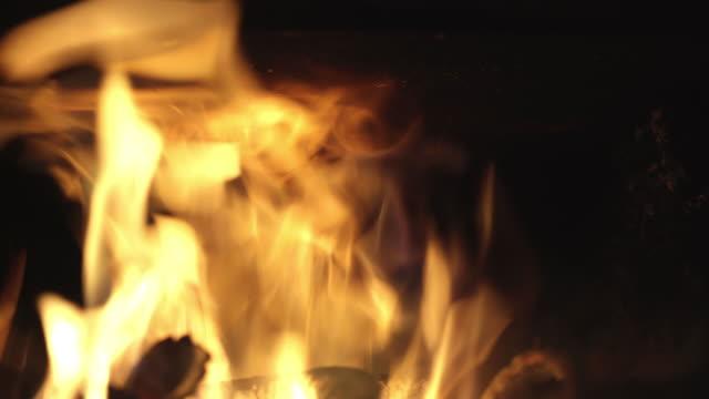 burning fire in 'agungi' (traditional korean kitchen's firebox) / yecheon-gun, gyeongsangbuk-do, south korea - stationary process plate stock videos & royalty-free footage