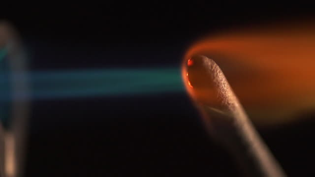 brennendes feuerzeug - tabakwaren stock-videos und b-roll-filmmaterial
