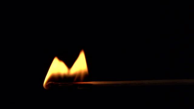 vídeos y material grabado en eventos de stock de burning match-super cámara lenta - fosforo