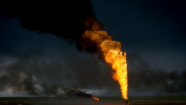 ws, reenactment burning oil wells, kuwait - pollution stock videos & royalty-free footage