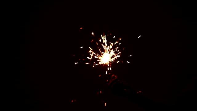 ディワリ祭に線香花火を燃焼 - 部分点の映像素材/bロール