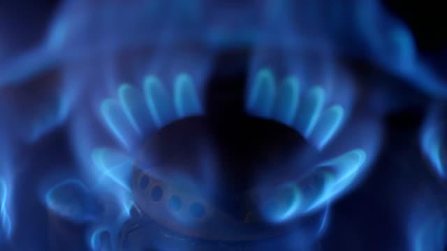 燃やされたガス - ガスコンロ点の映像素材/bロール