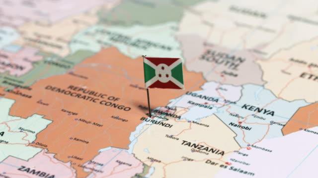 ブルンジの国旗と - キガリ点の映像素材/bロール