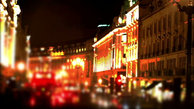 stockvideo's en b-roll-footage met pov bus night ride through london (time lapse) - geschwindigkeit
