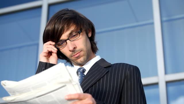 vídeos de stock, filmes e b-roll de anális'empresarial - óculos de leitura